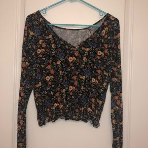 Flower soft & sexy American Eagle long sleeve top
